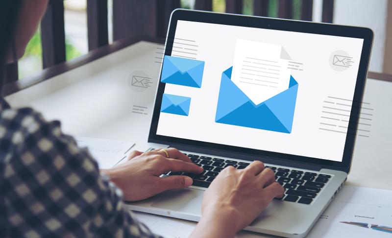 Email marketing là cách bạn tiếp cận, quảng bá sản phẩm, dịch vụ thông qua email.