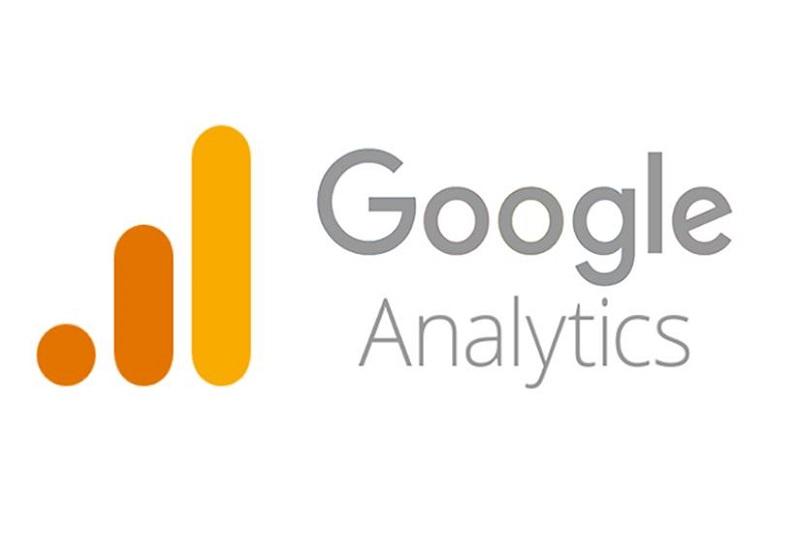 Google Analytics là công cụ miễn phí giúp tạo ra một bảng thống kê về lượng khách hàng ghé thăm website.
